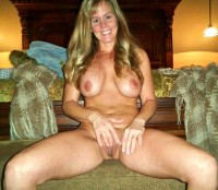 Free porn pics of Mom Works Pussy and Butthole Exposed Taking Selfies 1 of 20 pics