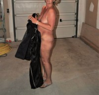 Free porn pics of outside and presenting myself as Sex-Slave, Linda Finemb 1 of 50 pics